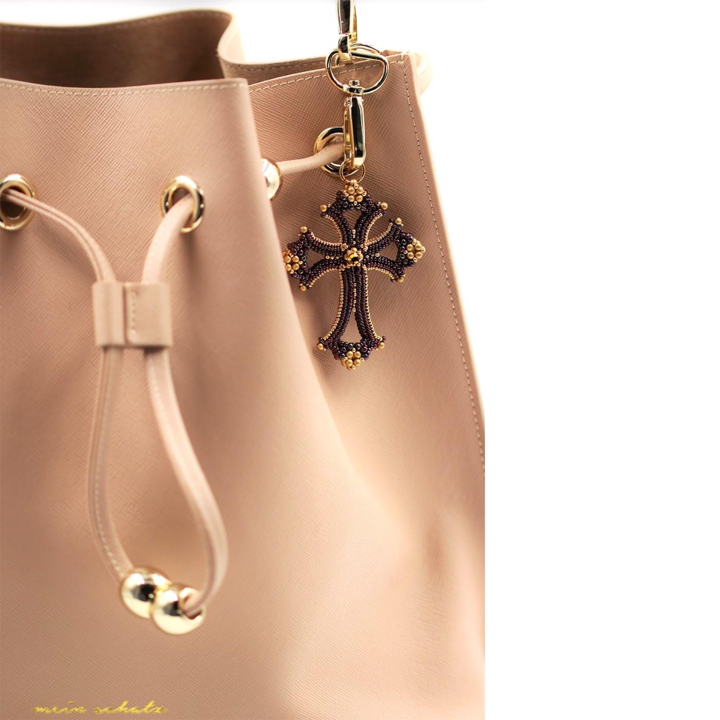 Beuteltasche Nude mit Kreuz